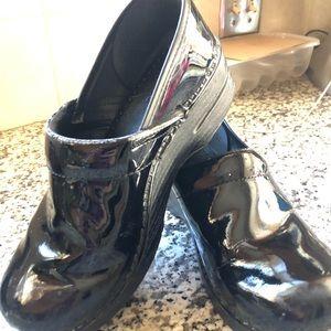 Size 39 Black Patent Dansko Clogs